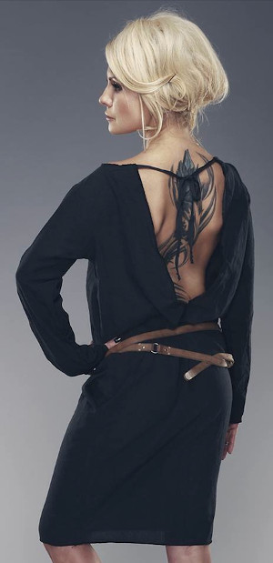 hipoalergiczni-agi-jensen-sukienka-modelka