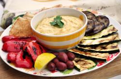 Hummus z grillowanymi warzywami