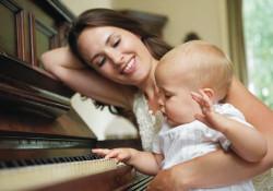 hipoalergiczni-niemowle-pianino