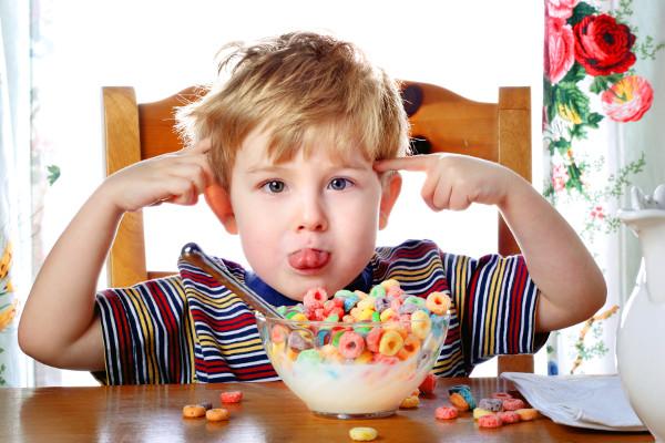 hipoalergiczni_dziecko_jedzenie_inteligencja
