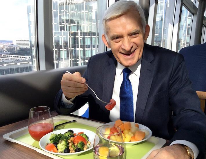 Hipoalergiczni-kasza-warzywa-jerzy-buzek- mnóstwo energii nawet podczas kilkunastogodzinnych dni pracy