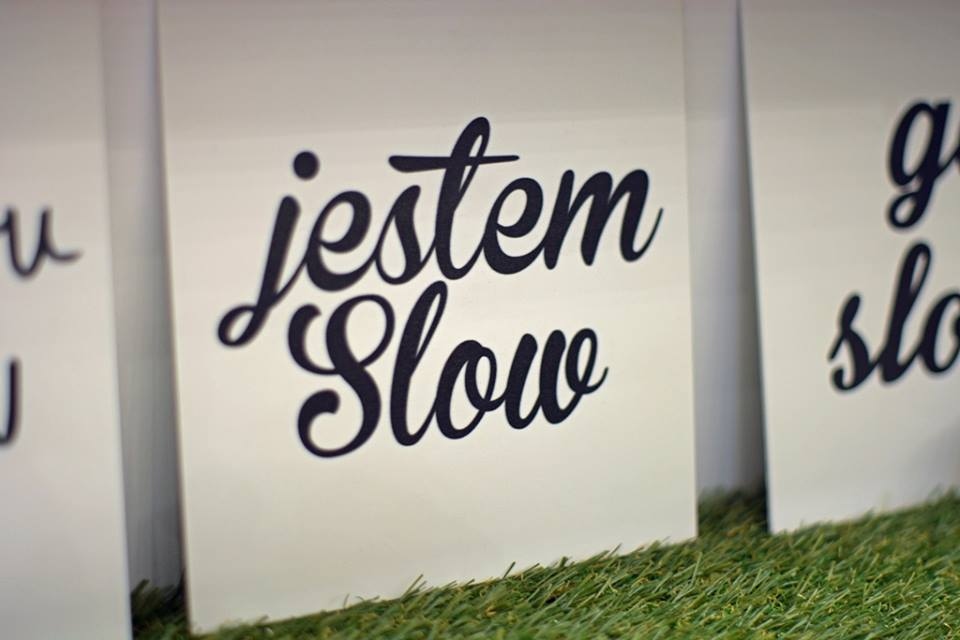 slow-fashion-pop-up-store-7