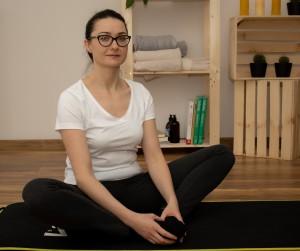 program-biodro-rehabilitacja-fizjoterapia-Środa-Wielkopolska-Poznań-ból-biodra-pleców-ćwiczenie-na-biodra-Joanna-Wieruszewska-siad-kompensacyjny-masaż