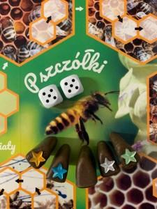 """Gra """"Pszczółki"""" stworzona przez Beatę Hałaburę"""