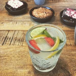 Hipoalergiczni-szklanka-bez-slomki