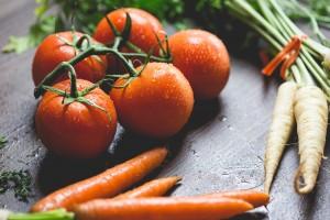 hipoalergiczni-pomidory-marchew-pietruszka